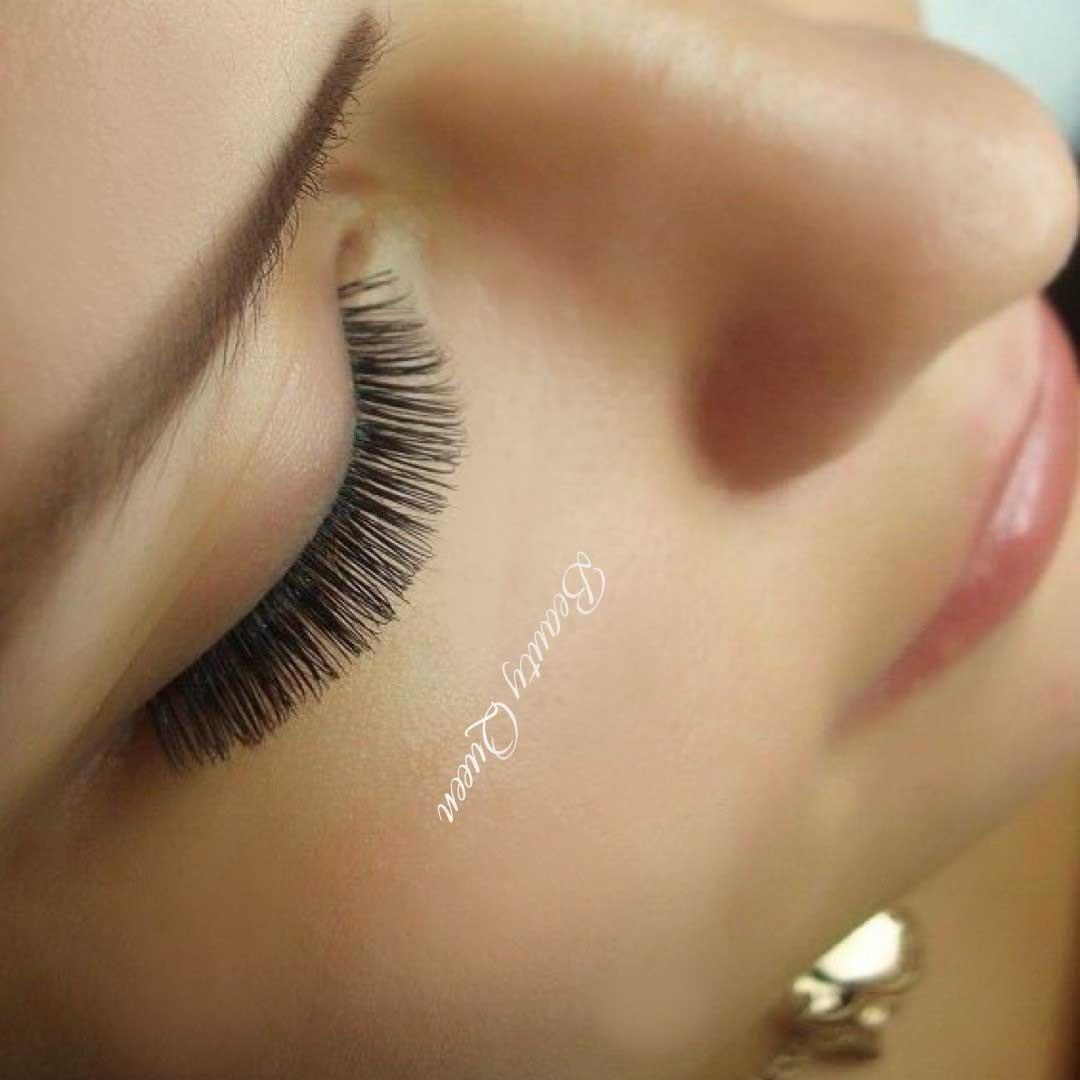 макияж со стрелками и красными губами фото
